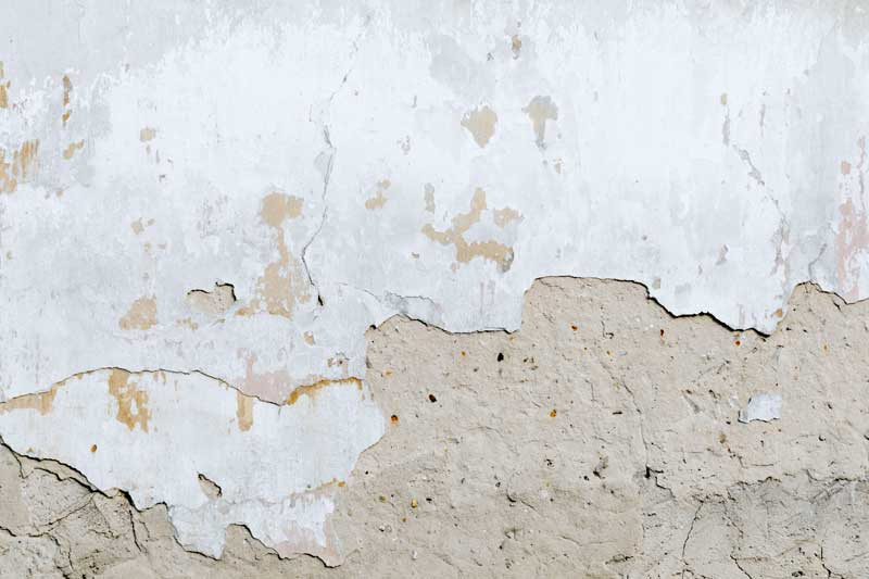 Mal estado pared casa As Pontes